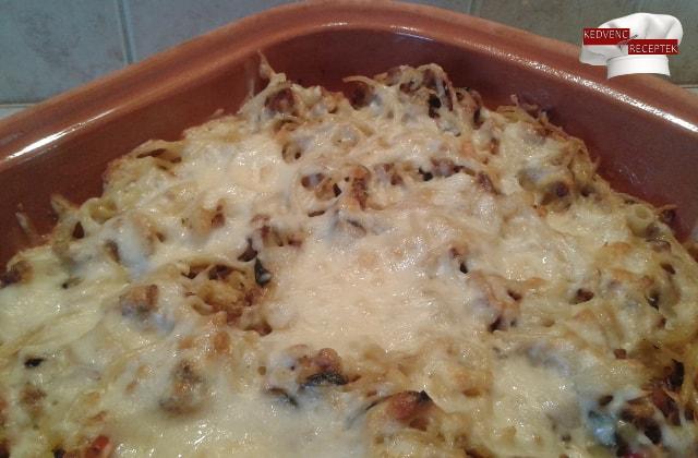 Zöldséges-húsos rakott tészta