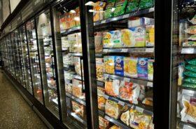 Fagyasztott termékek a szupermarketben