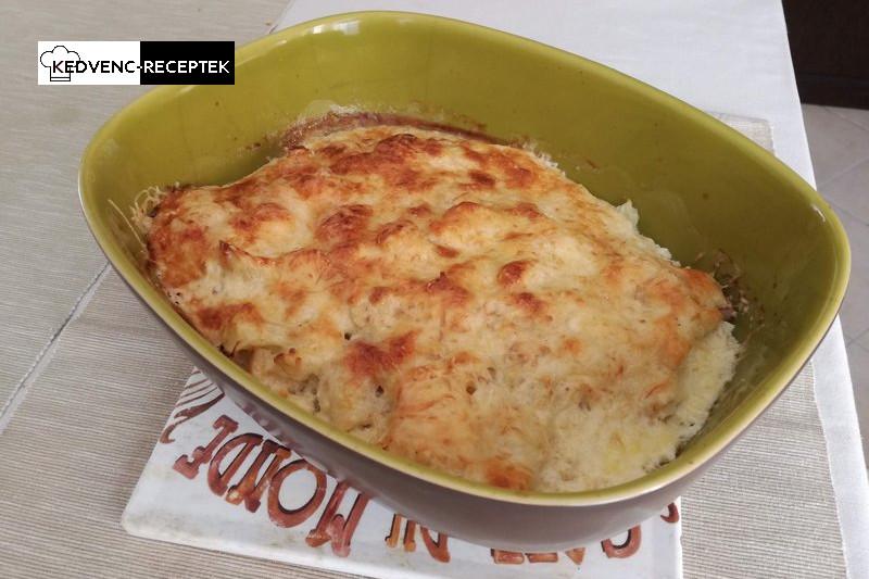 Készre sült a rakott karfiol sajttal és bacon szalonnával