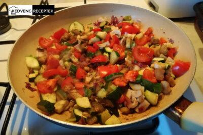 Színes és finom zöldségekkel fogjuk megtölteni a padlizyánt!